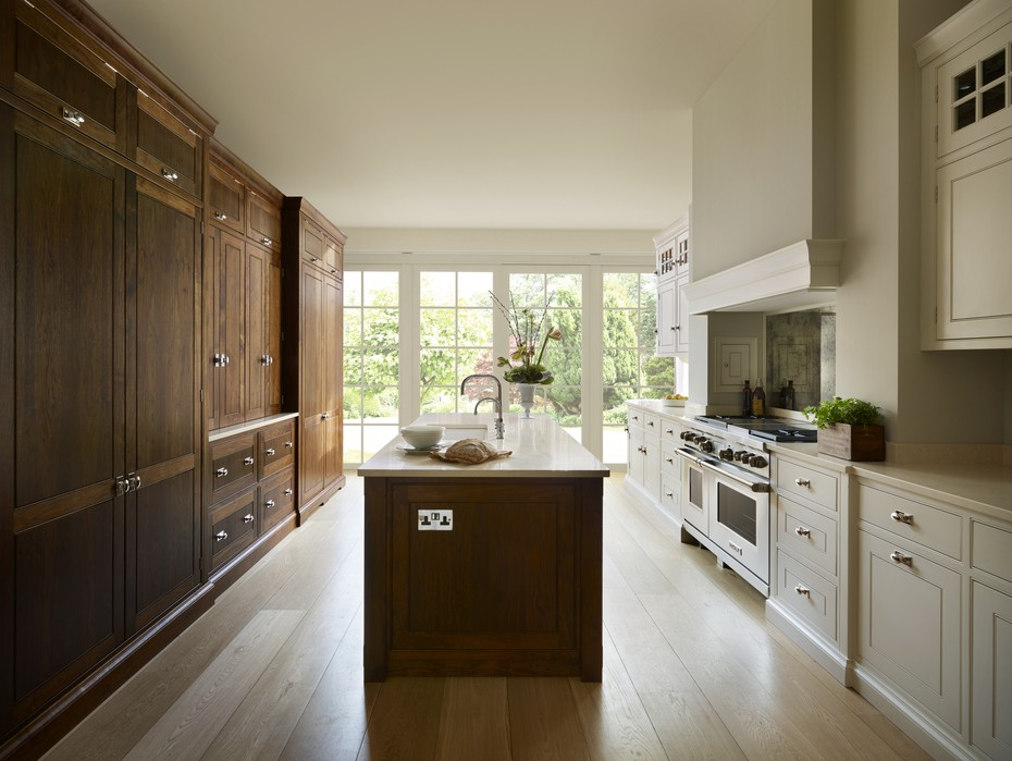 St. Albans | Spenlow Kitchen | American Walnut and Painted Cabinetry, Wolf range cooker and integrated Sub-Zero