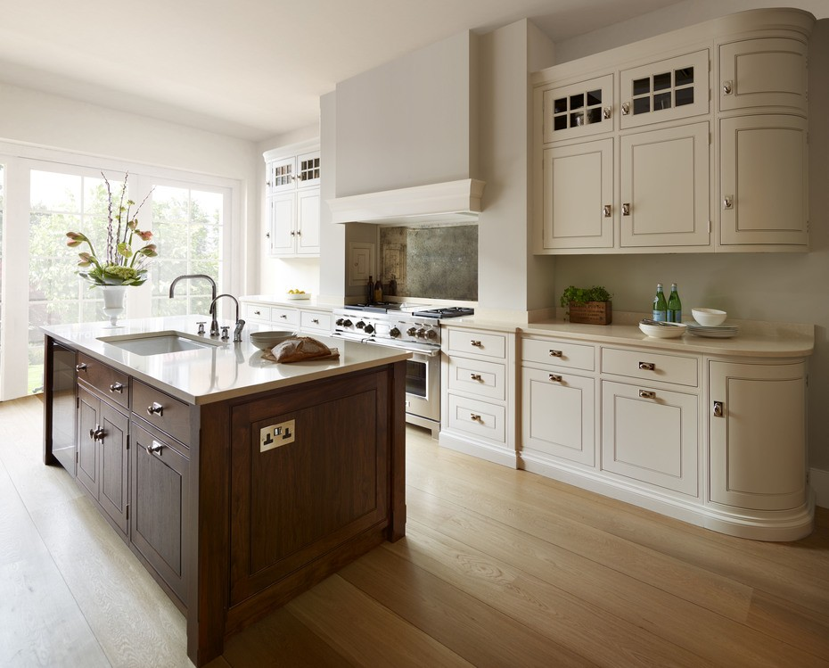 Humphrey Munson | Luxury Bespoke Family Kitchen