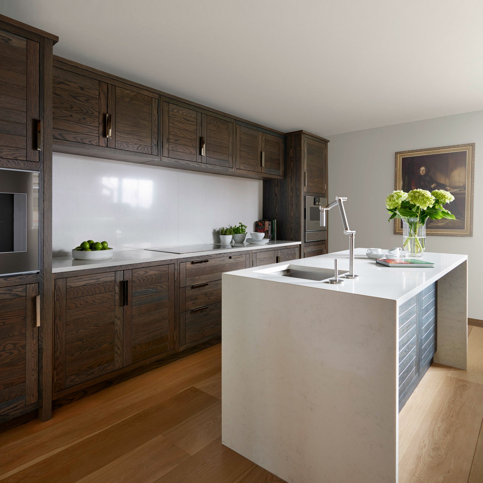 St. Albans Showroom - Markham Kitchen - Humphrey Munson