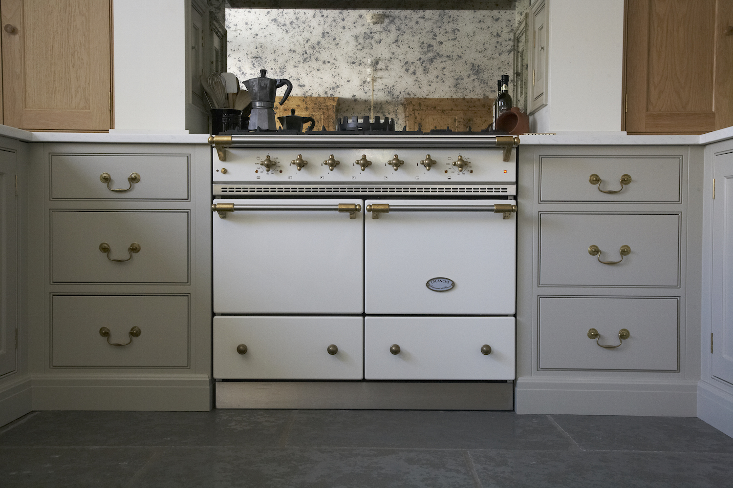 Classic English Cottage Kitchen - Low Res - 31