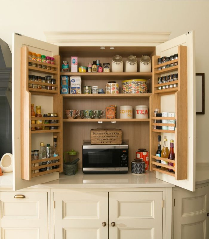 Kithen Mini: The Mini-Pantry