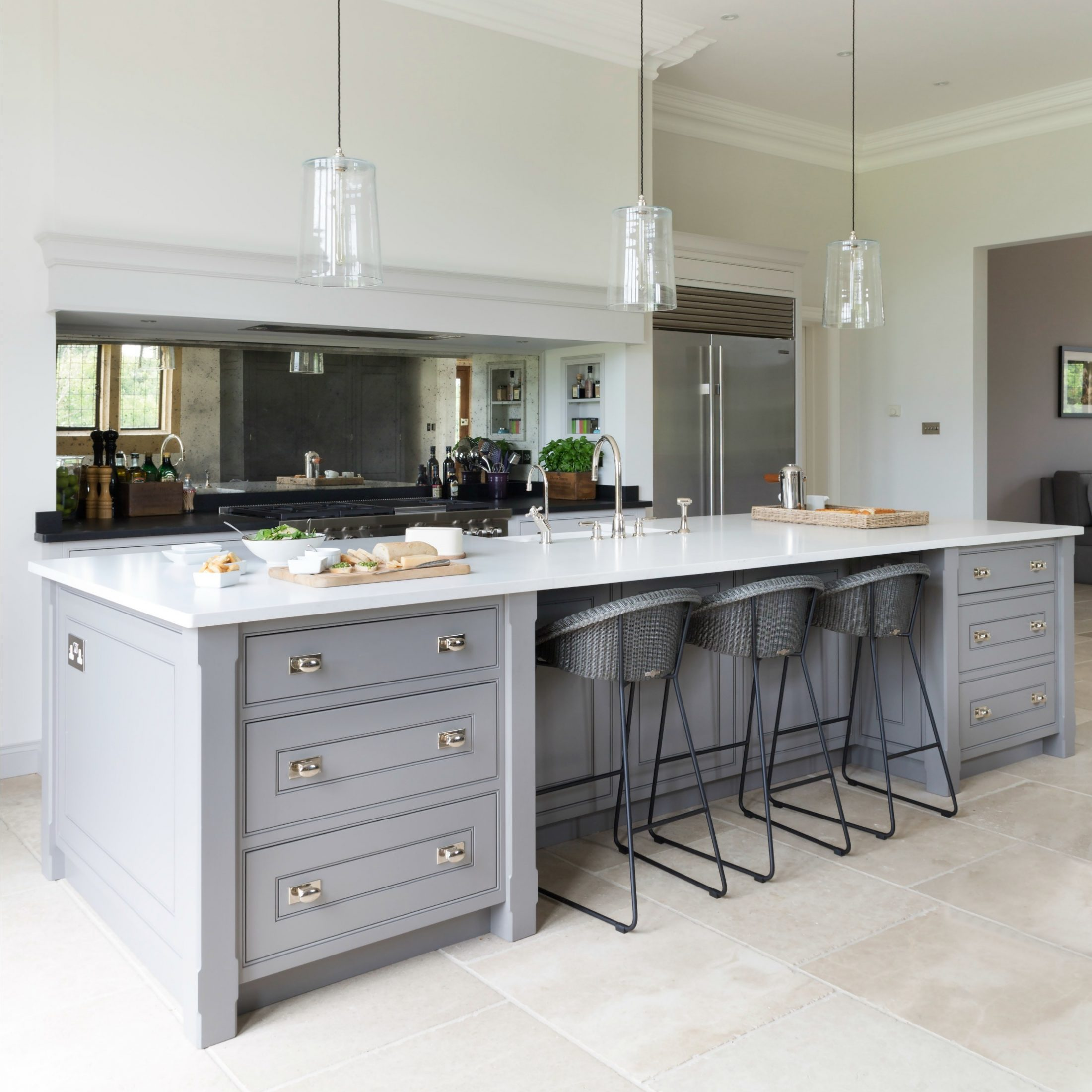 The Grange, Ascot Berkshire - Luxury Bespoke Kitchen - Humphrey Munson