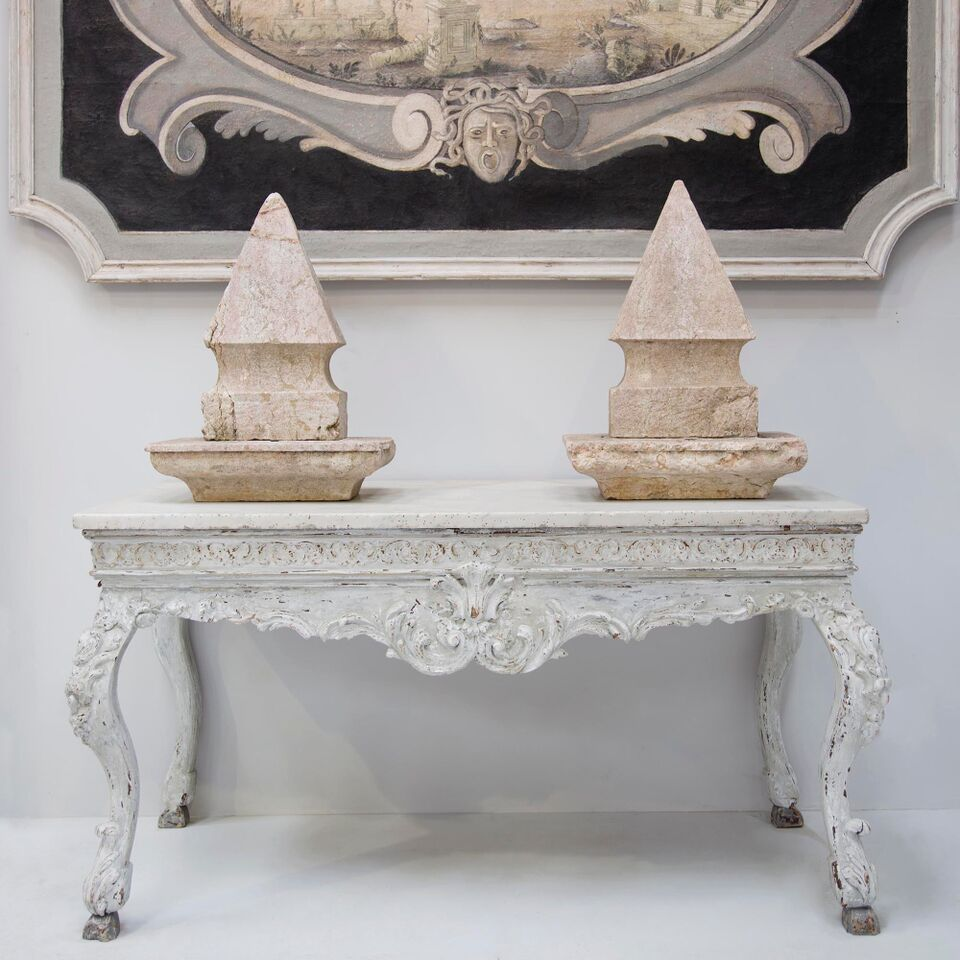 Lorfords Antiques - Babdown Tetbury - Humphrey Munson Blog - Showroom