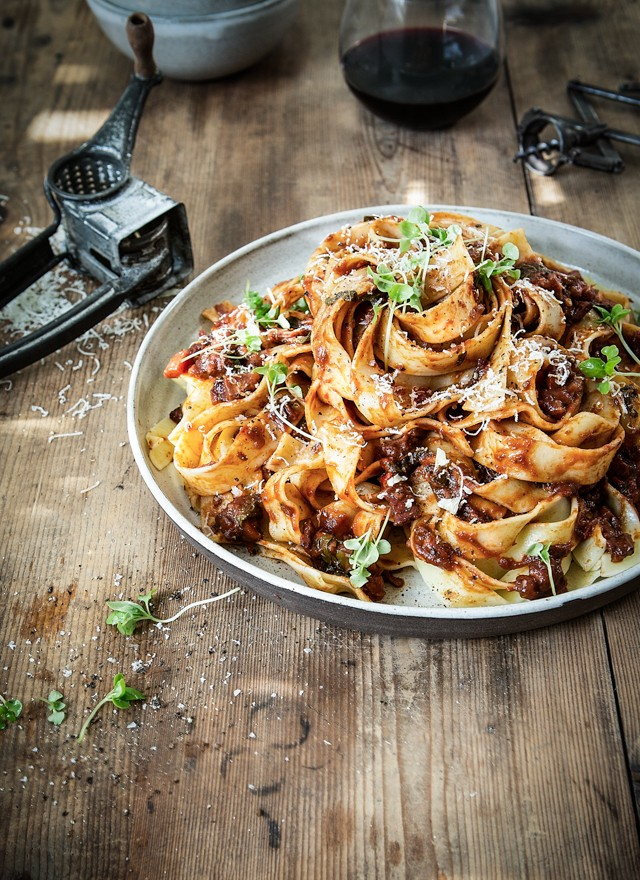 Pappardelle Fennel Crispy Pork Belly Rich Spicy Red Wine Sauce ...