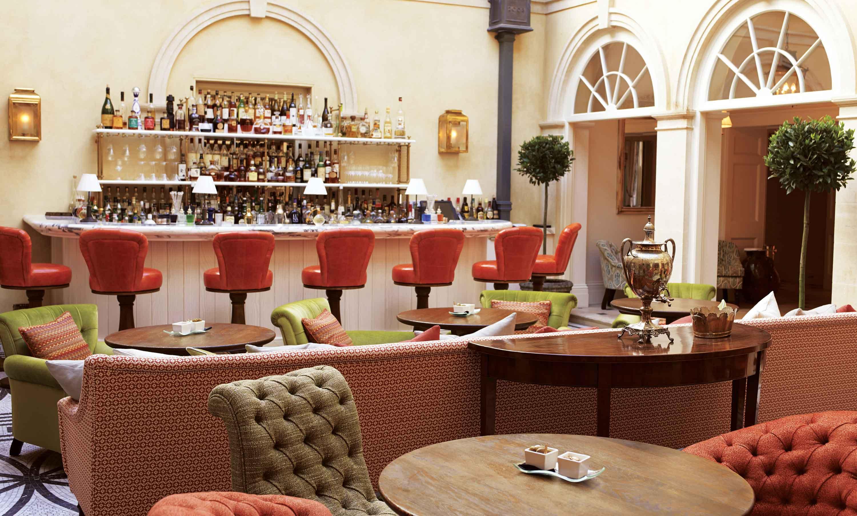 Limewood Hotel - Courtyard Bar - Humphrey Munson Blog