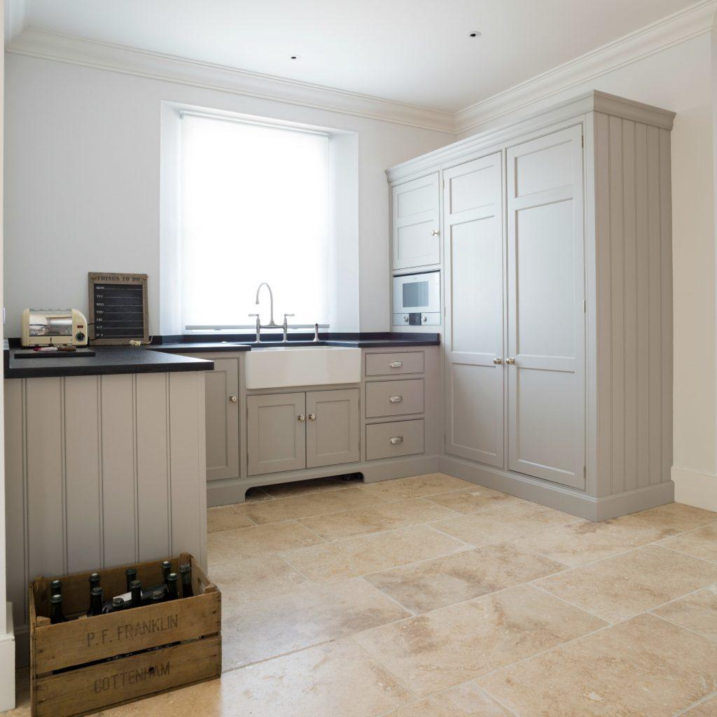 Scullery humphrey munson kitchens for Kitchen design essex