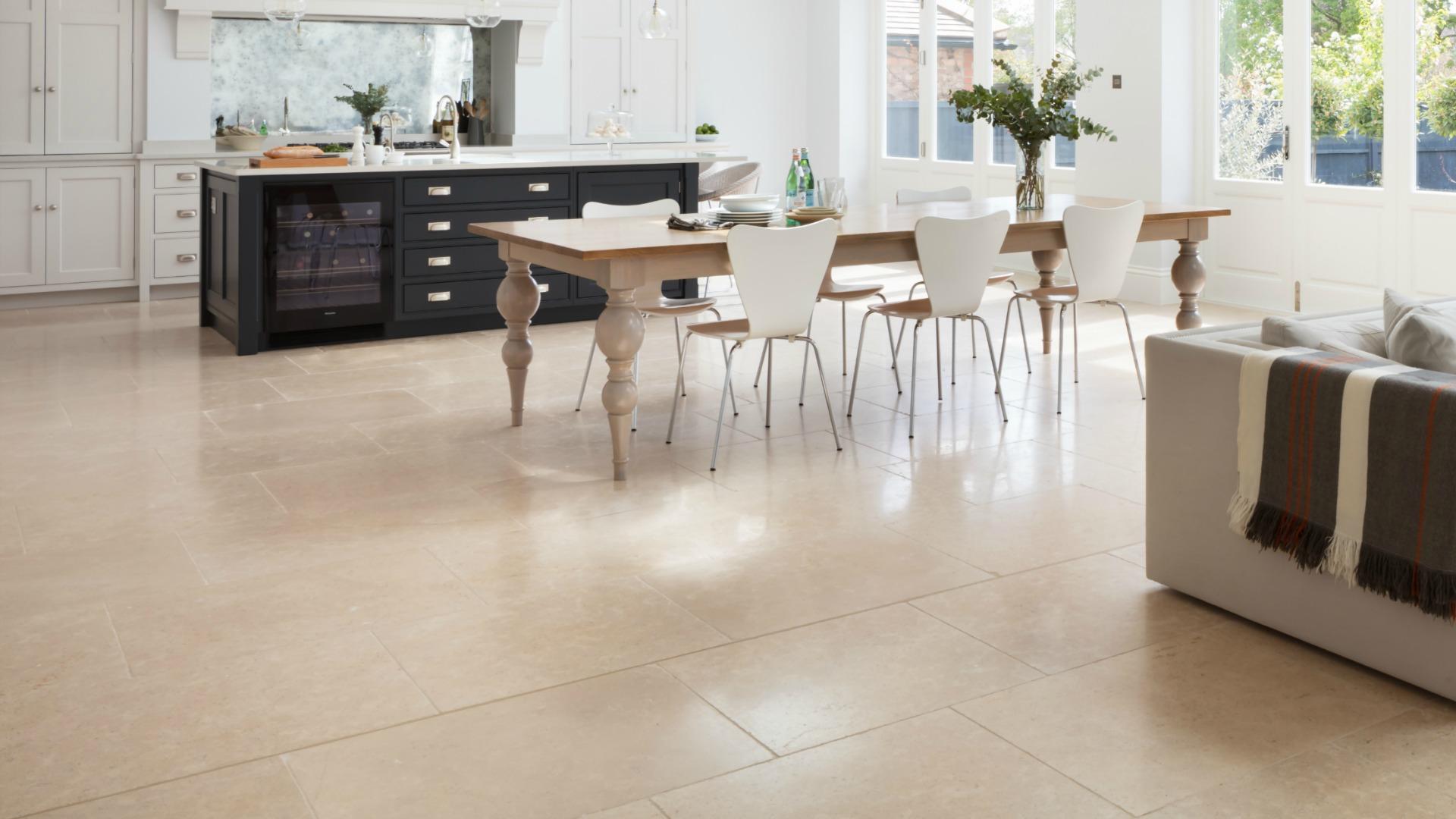 Manoir Limestone Lightly Tumbled - Humphrey Munson Stone Atelier