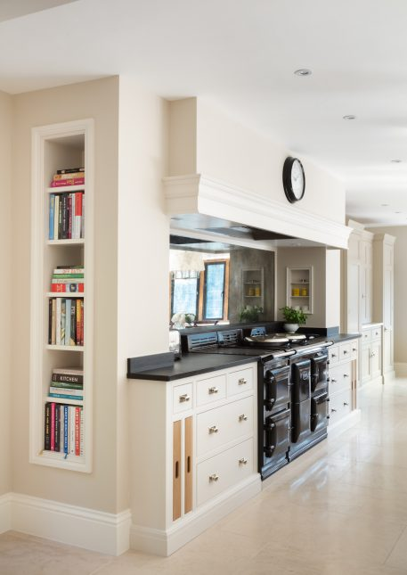 Bespoke Family Kitchen, Gerrards Cross - Humphrey Munson