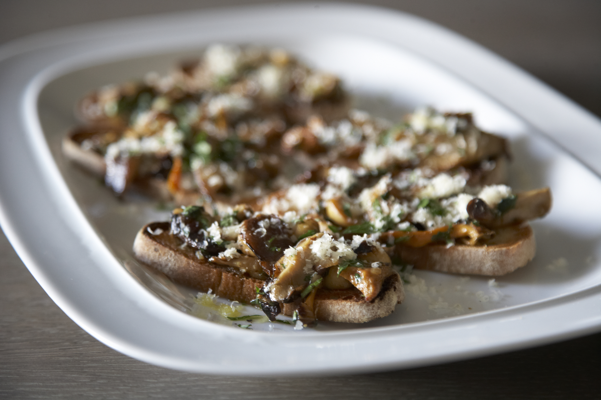 wild-mushroom-crostini-humphrey-munson-kitchen-7