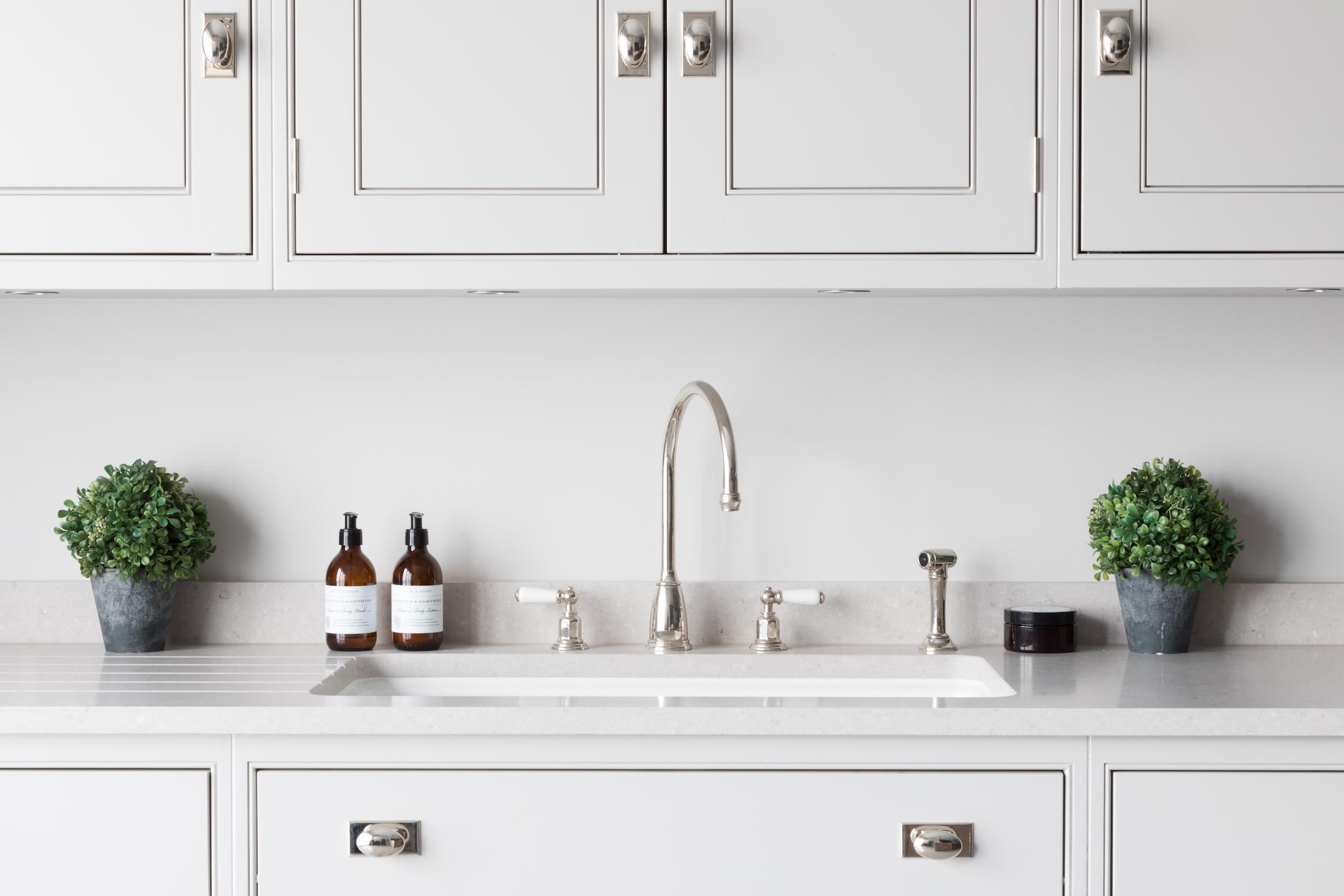 5 Must Have Kitchen Accessories - Humphrey Munson Kitchens