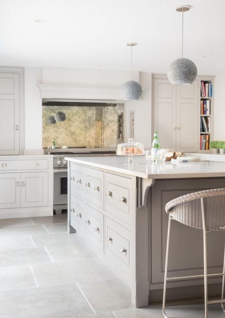 Beech House Kitchen, Buckhurst Hill - Humphrey Munson Kitchens