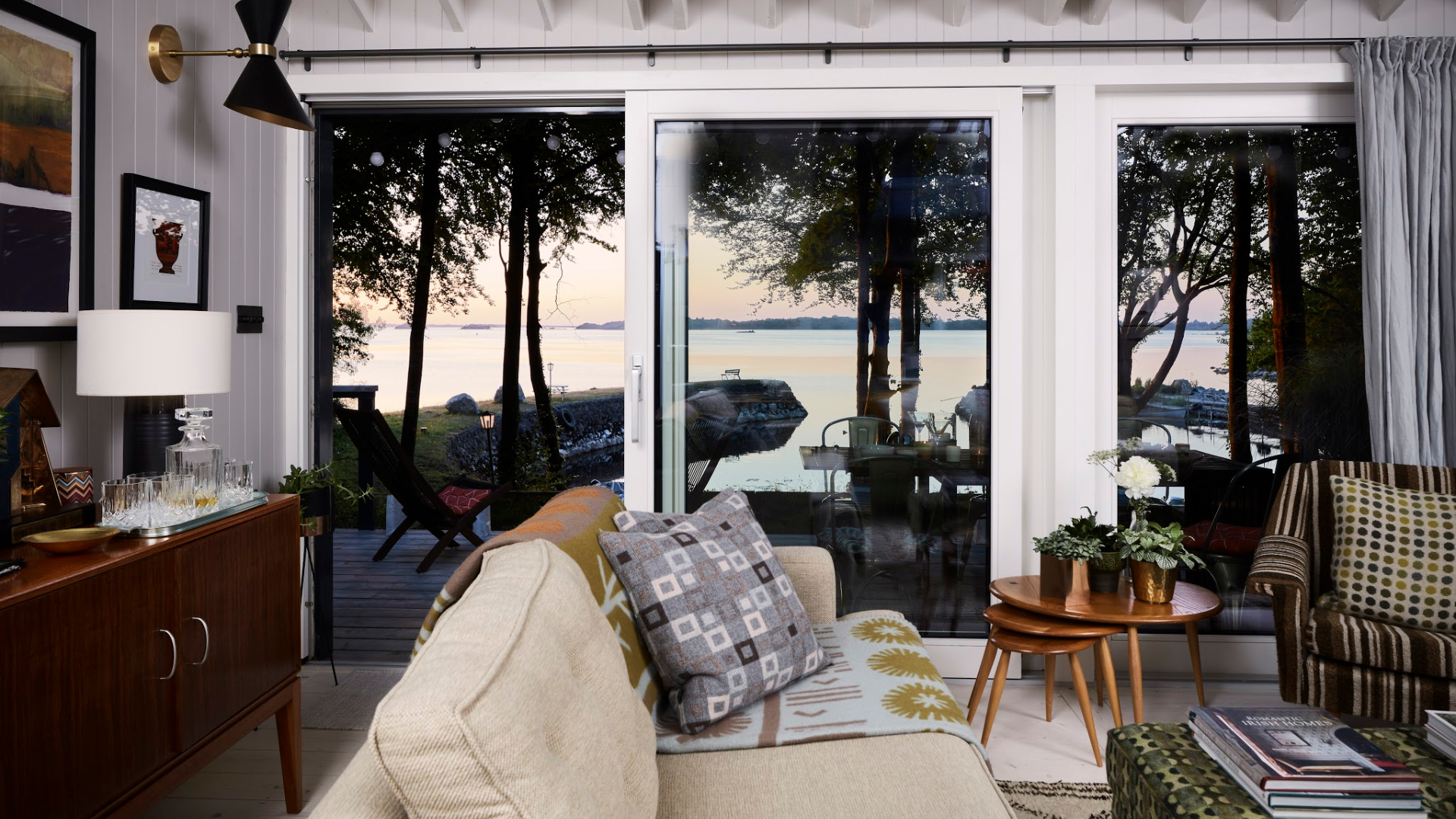 Unique places to stay - Unique Home Stays - Walden Lakehouse - Humphrey Munson