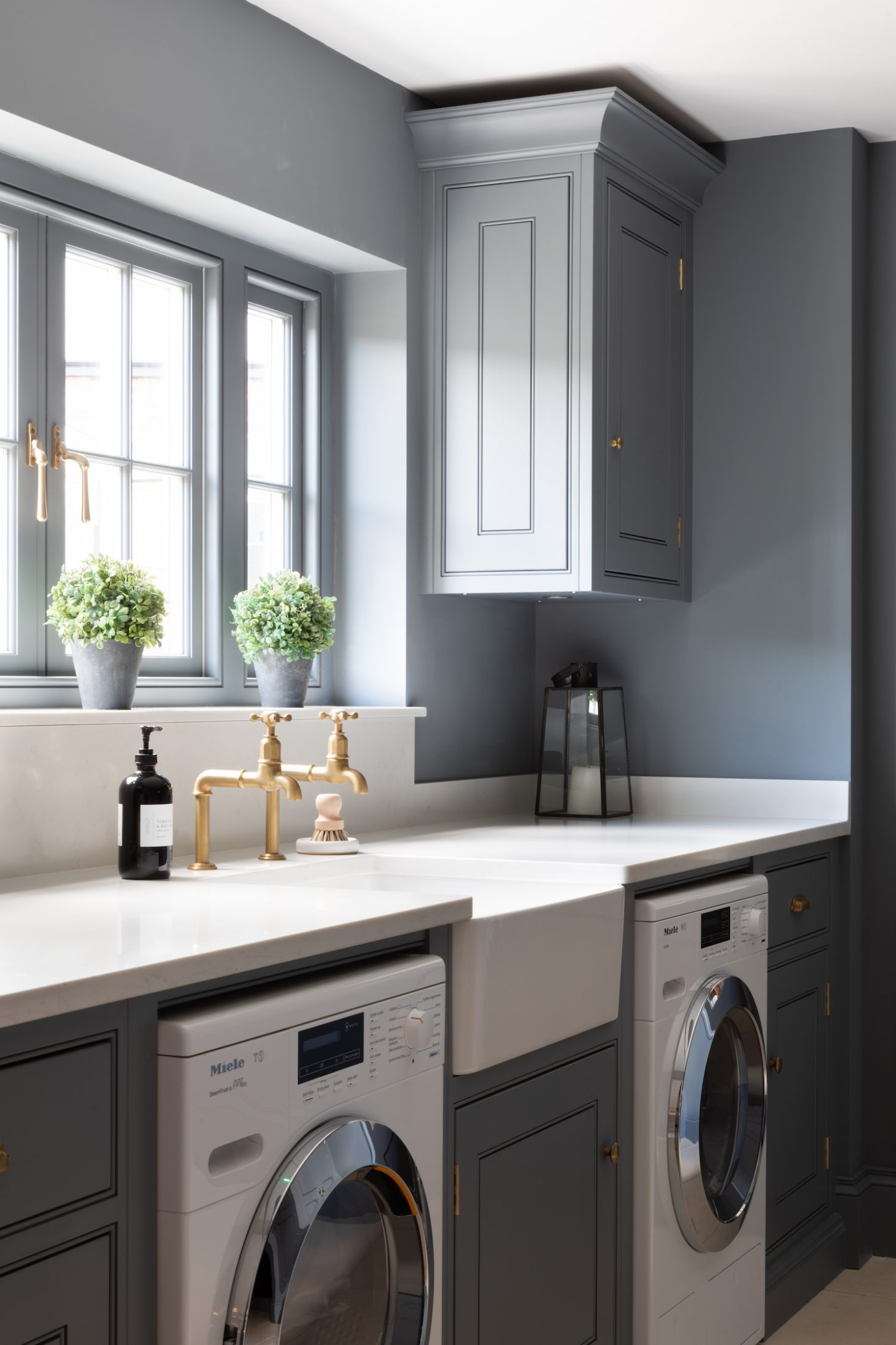 Spenlow Utility Room At The Hm Showroom In Felsted Essex Humphrey Munson Kitchens