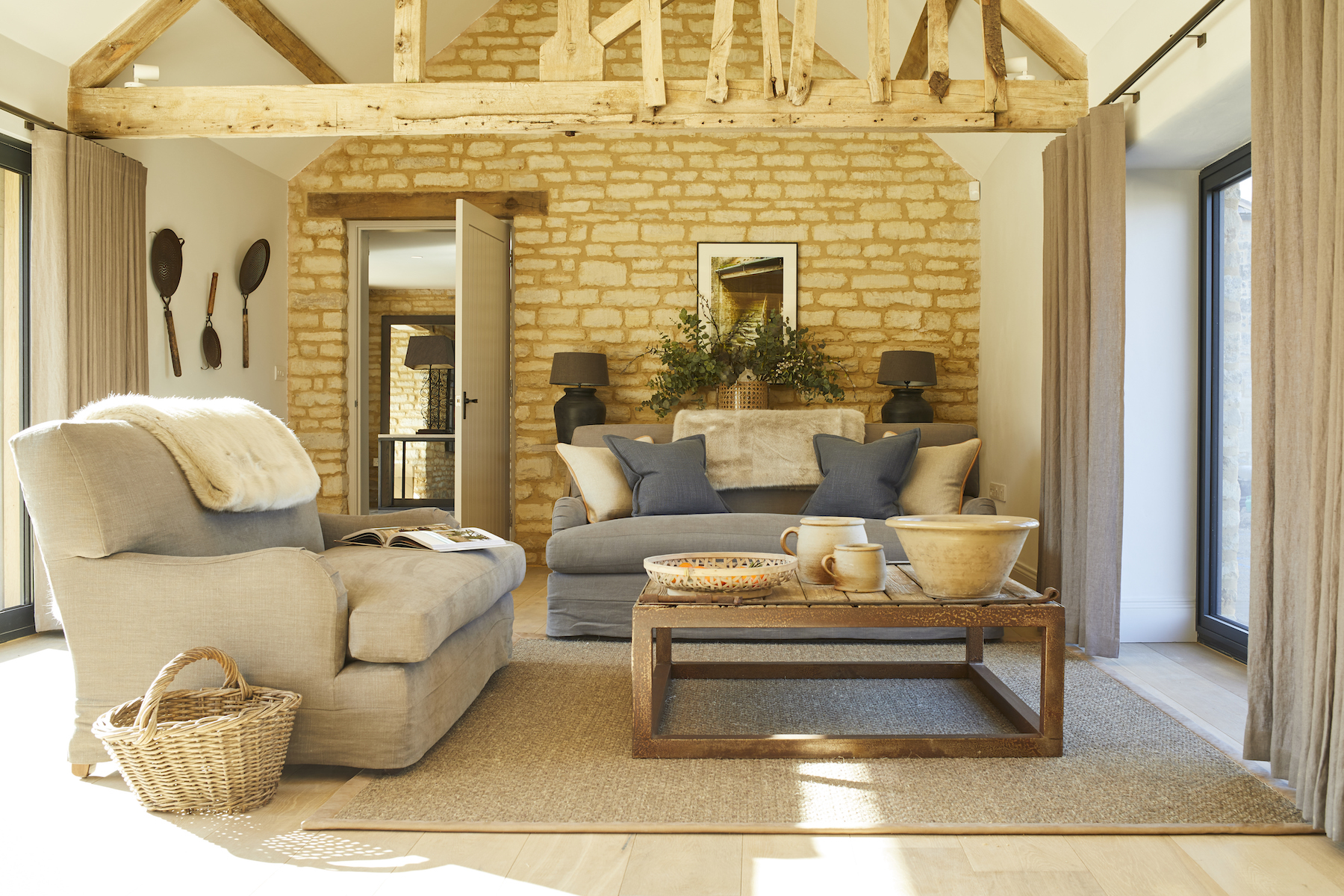 Bibury Farm Barns | Humphrey Munson