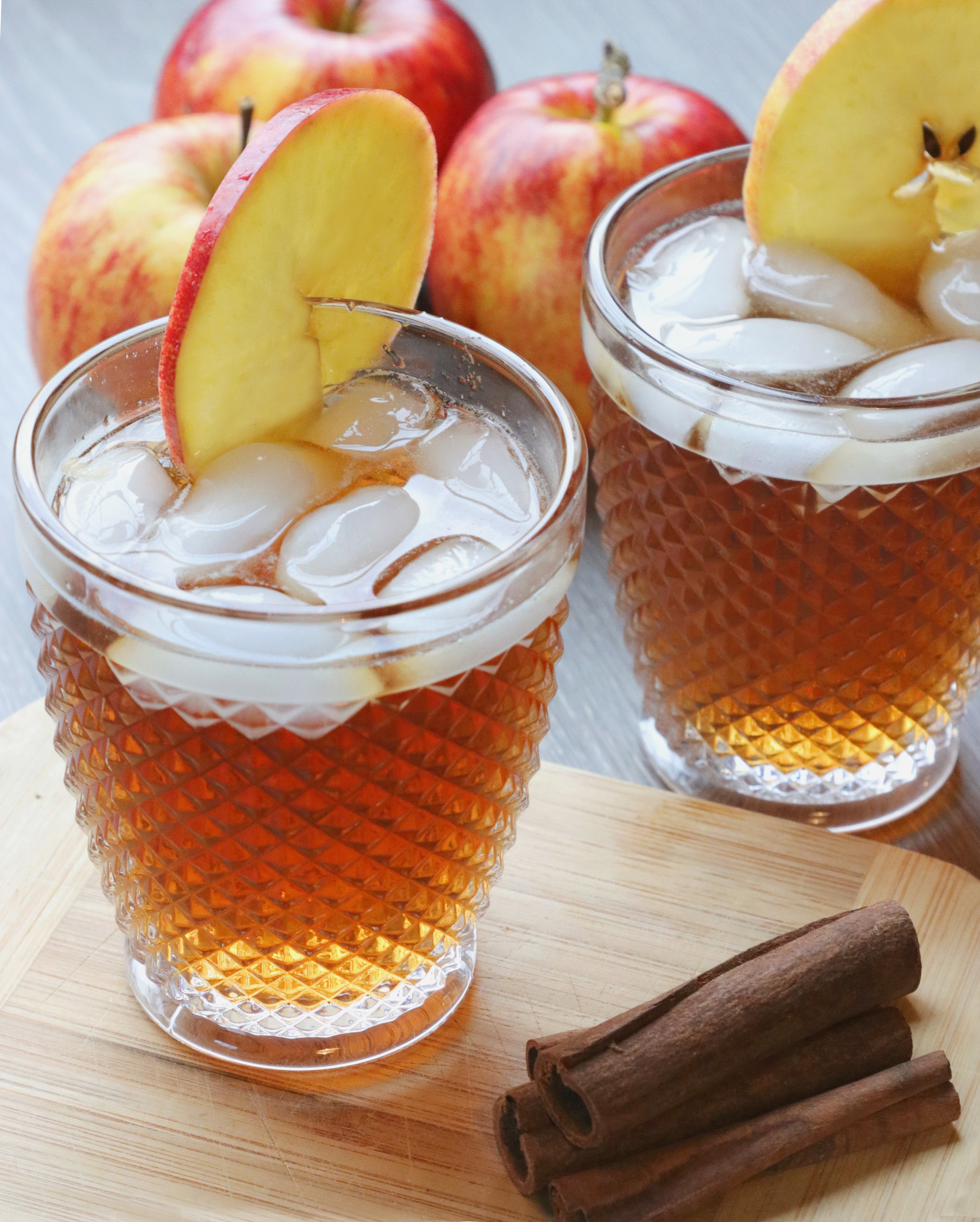 Recipe Notes | Autumn Spiced Apple Rum Cocktail - Humphrey Munson Blog