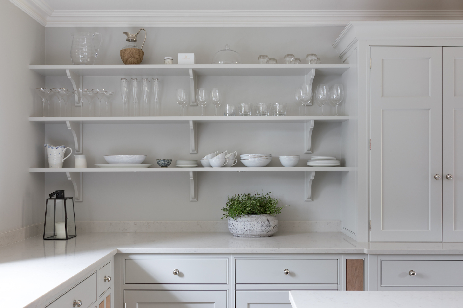 Artisan Shelves | Design Notes | Humphrey Munson